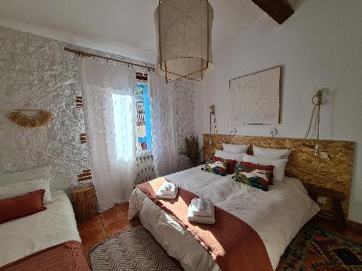 Chambre d 39 hote l 39 abri sous roche chambre d 39 hote pyrenees orientales 66 languedoc roussillon - Chambre d hote pyrenees orientales ...