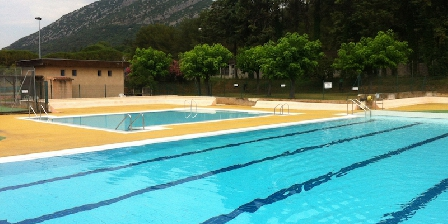 Les Asphodeles Public swimming pool