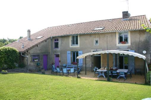 Bed & breakfasts Meuse, from 60 €/Nuit. Farm, Pareid (55160 Meuse), Garden, Net, WiFi, Baby Kits, 5 Double Bedroom(s), 3 Childrens Bedrooms, 15 Maximum People, Lounge, Library, Chimeney, Computer, Kids Games, Gites De F...