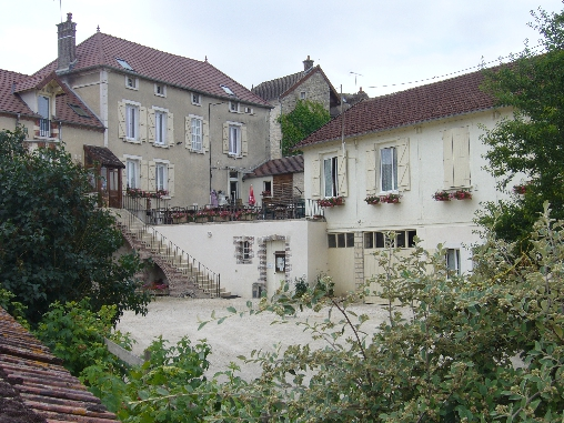 Bed & breakfasts Yonne, from 54 €/Nuit. House of character, Pacy sur Armançon (89160 Yonne), Guest Table, Garden, Net, WiFi, T.V., Baby Kits, Parking, 3 Double Bedroom(s), 1 Suite(s), 10 Maximum People, Lounge, Safe, Co...