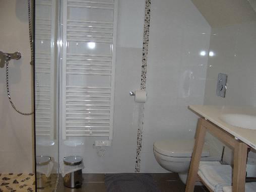 La salle de bains de la chambre duplex