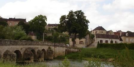 Au Petit Calin Pont de Pacy13eme siècle