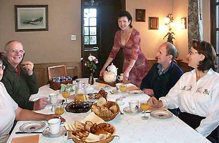 Chambre d'hote Ain - Un petit déjeuner très convivial