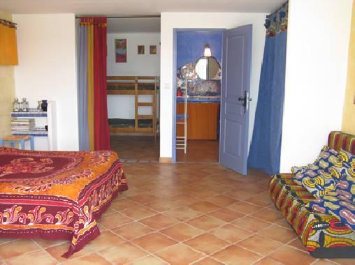 Chambre d'hote Vaucluse - chambre familiale très spacieuse avec terrasse
