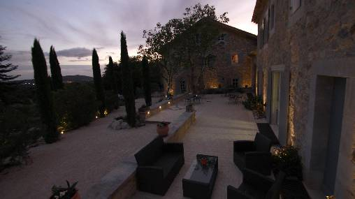 Bed & breakfasts Drôme, from 115 €/Nuit. La Garde d`Adhémar (26700 Drôme), Swimming Pool, Park, Disabled access, Net, WiFi, Lounge, Cycle, Bowls, Weddings. A proximité : Grignan 10 km, Saint Paul 3 Chateaux 10 km, Monté...