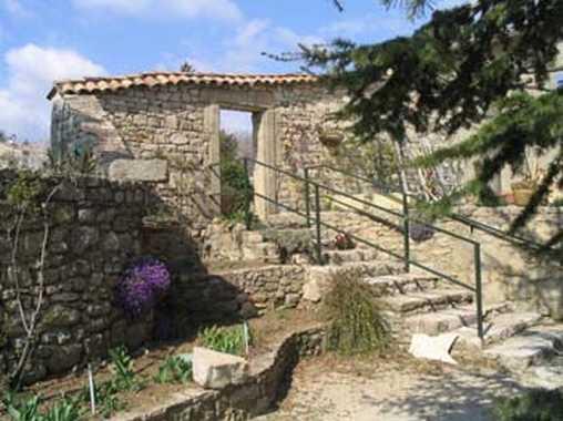 Chambre d'hote Vaucluse - Le côté sud du jardin