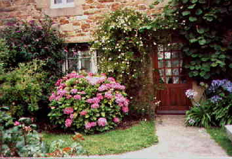 Bed & breakfasts Côtes-d\'Armor, from 50 €/Nuit. House of character, Ploubazlanec-Paimpol (22620 Côtes-d`Armor), Charm, Garden, T.V., 4 Double Bedroom(s), 9 Maximum People, Kids Games, Clevacances 2clés, Travel Cheques, Country ...