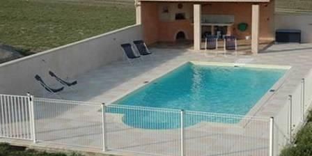 Bastide des Bourguets La piscine