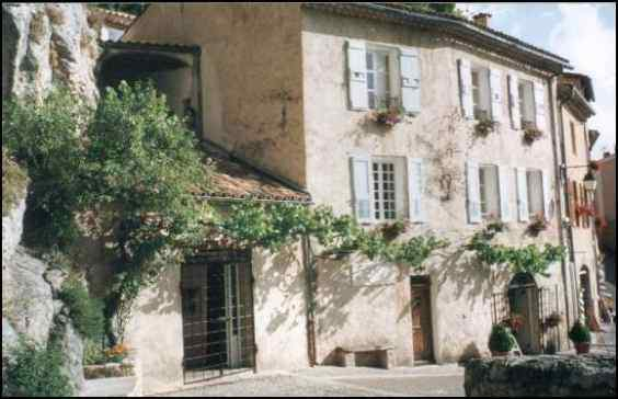 Chambres d'hotes Alpes de Haute Provence, Moustiers Sainte Marie (04360 Alpes de Haute Provence)....