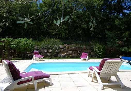 Bed & breakfasts Gard, from 65 €/Nuit. House/Villa, Saint Quentin la Poterie (30700 Gard), Guest Table, Swimming Pool, Garden, WiFi, T.V., Parking, 2 Double Bedroom(s), 5 Maximum People, Clévacances, Bowls, Country Vie...