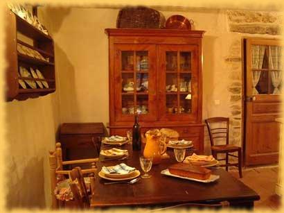 Chambres d'hotes Gard, à partir de 44 €/Nuit. Montdardier (30120 Gard)....
