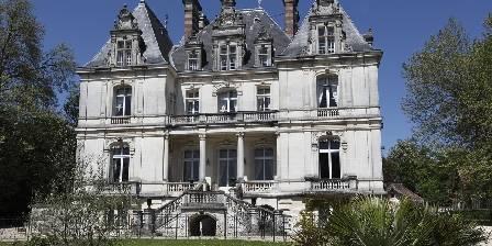Château Saint Martial Chateau vu de la piscine