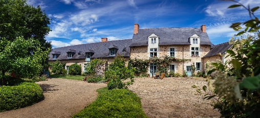 Bed & breakfasts Maine-et-Loire, from 90 €/Nuit. House of character, Grez Neuville (49220 Maine-et-Loire), Charm, Garden, Park, Disabled access, Net, WiFi, Baby Kits, 4 Double Bedroom(s), 10 Maximum People, Library, Gîtes De Fra...