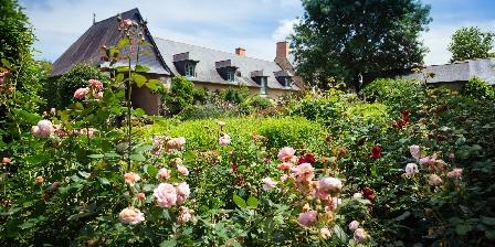 Le Bois de Grez Manoir du bois de grez vue du jardin de roses