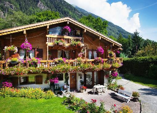 Bed & breakfasts Haute-Savoie, from 49 €/Nuit. Chalet, Chamonix Mont-Blanc (74400 Haute-Savoie), Charm, Guest Table, Garden, WiFi, T.V., Baby Kits, Parking, 1 Single Bed(s), 3 Double Bedroom(s), 1 Suite(s), 14 Maximum People, ...