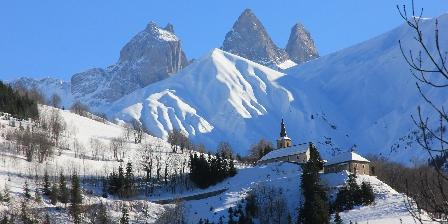 Chalet Saint Roch Eglise St Nicolas de notre village, Montrond, Commune d'Albiez-M