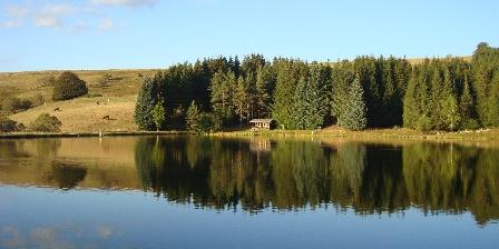 Chalets du Lac des Estives Le lac