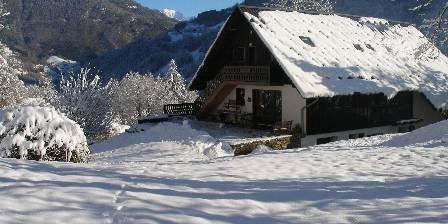 La Grange aux Loups La maison en hiver