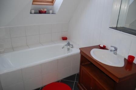 Chambre d'hote Nord - La salle de bains de la chambre rouge