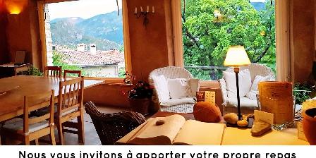 Chasteuil Chambres d'Hôtes La véranda au premier étage