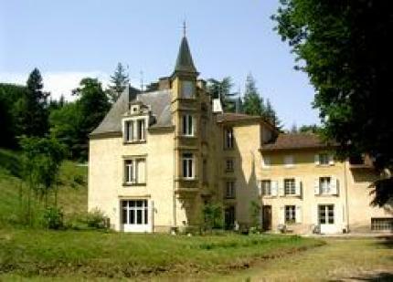 Gastezimmer Isère, ab 78 €/Nuit. Schloss, Villeneuve de Marc (38440 Isère), Table, Schwimmbad, Garten, Park, Internet, WiFi, 1 schlafzimmer einzelne(n) , 4 schlafzimmer double(s), 15 personen maximum, Aufenthaltsra...