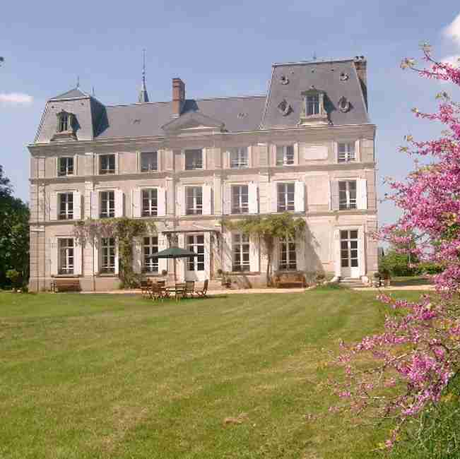 Bed & breakfasts Eure, from 85 €/Nuit. Castle, Verneuil sur Avre (27130 Eure), Charm, Guest Table, Sauna, Garden, Park, WiFi, 4 Double Bedroom(s), 1 Suite(s), 1 Childrens Bedrooms, 12 Maximum People, Lounge, Library, C...