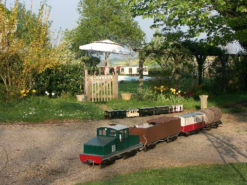 Chambre d'hote Allier - L'un des trains de jardin