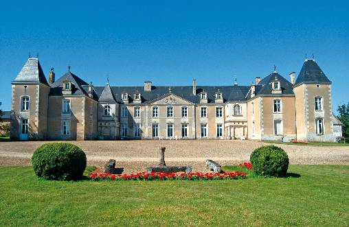 Bed & breakfasts Charente-Maritime, from 120 €/Nuit. Castle, Port d`Envaux (17350 Charente-Maritime), Charm, Luxury, Park, Disabled access, Baby Kits, Parking, Safe, Travel Cheques, horseriding. A proximité : Lake, River, Country, ...