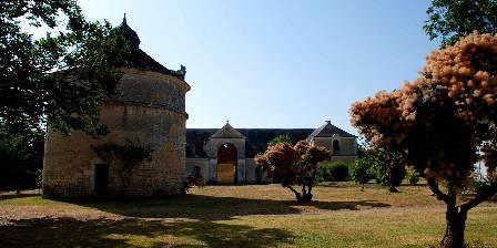 Château de Panloy Pigeonnier et écuries