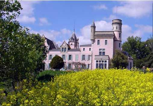 Chambres d'hotes Aude, à partir de 80 €/Nuit. Château, Montolieu (11170 Aude), Charme, Table d`hôtes, Piscine, Jardin, Parc, WiFi, Téléviseur, Parking, 5 chambre(s) double(s), 15 personnes maximum, Chèques vacances, Vu...