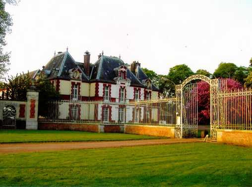 Bed & breakfasts Somme, from 10 €/Nuit. Castle, Sailly Flibeaucourt (80970 Somme), Charm, Guest Table, Swimming Pool, Sauna, Park, WiFi, Baby Kits, Parking, 4 Double Bedroom(s), 1 Suite(s), 15 Maximum People, Lounge, Ch...