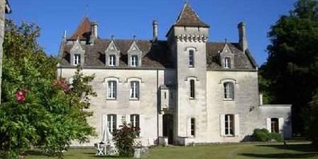 Chambre d'hotes Château des Salles > Le château