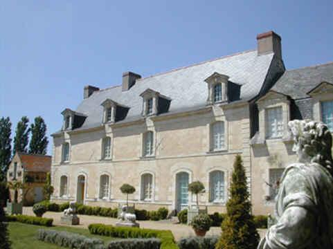 Chambres d'hotes Maine-et-Loire, à partir de 115 €/Nuit. Charcé Saint Ellier sur Aubance (49320 Maine-et-Loire)....