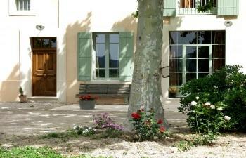 Chambres d'hotes Bouches du Rhône, à partir de 62 €/Nuit. Maillane (13910 Bouches du Rhône)....
