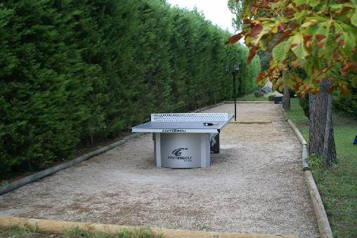 Terrains pétanque et ping pong