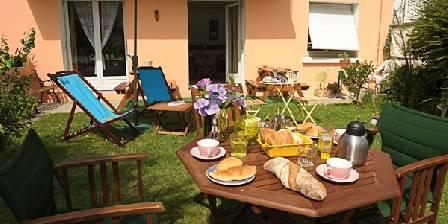 Maison et table d'hôtes Joliot Curie Le jardin