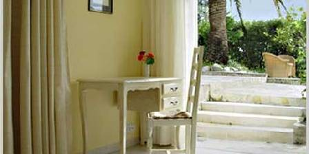 Les Cypres de Vence La chambre Jaune