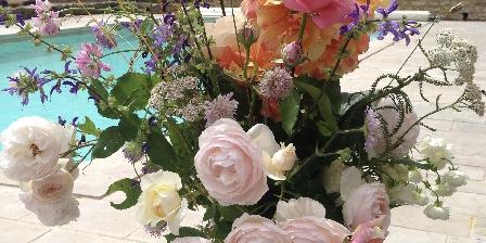 Demeure de Forterre Bouquet avec les fleurs du jardin.
