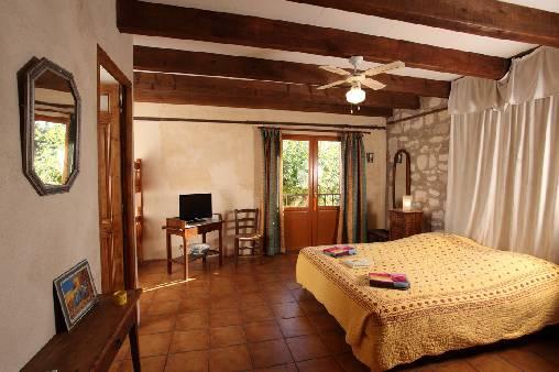 Chambre d'hote Bouches du Rhône - chambre jaune