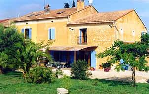 Chambres d'hotes Bouches du Rhône, à partir de 42 €/Nuit. La Crau de Chateaurenard (13160 Bouches du Rhône)....