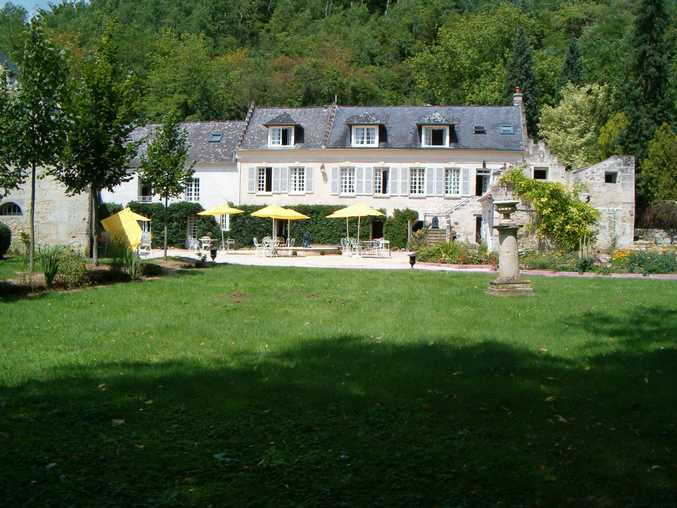 Bed & breakfasts Aisne, from 75 €/Nuit. Castle, Ambleny (02290 Aisne), Charm, Luxury, Swimming Pool, Sauna, Garden, Park, Net, WiFi, T.V., 4 Double Bedroom(s), 1 Suite(s), 15 Maximum People, Lounge, Chimeney, 4 épis Git...