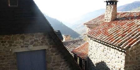 Domaine de Pouzadouire La vue par dessus les toits
