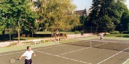 Domaine de Val Bruant Le court de tennis