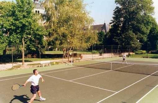 Chambre d'hote Haute-Marne - Le court de tennis