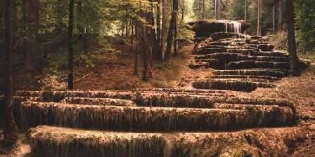 Domaine de Val Bruant La cascade petrifiée