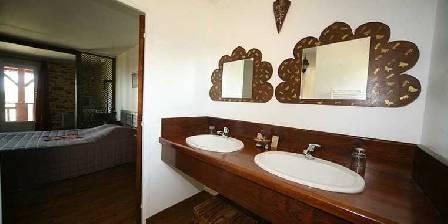Chateau d'Izaute Vasque salle de bain