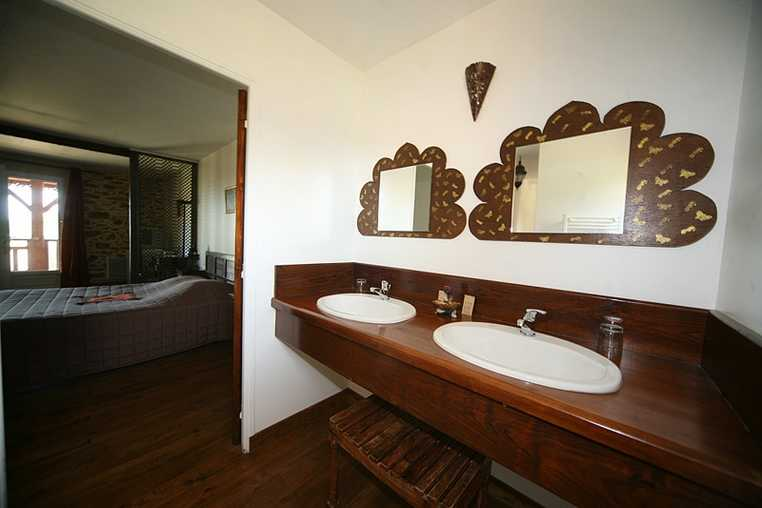 Chambre d'hote Gers - vasque salle de bain