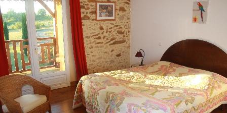Chateau d'Izaute Chambre grand lit appartement