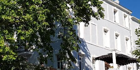 Chambre d'hotes Domaine Saint Dominique > La Terrasse principale