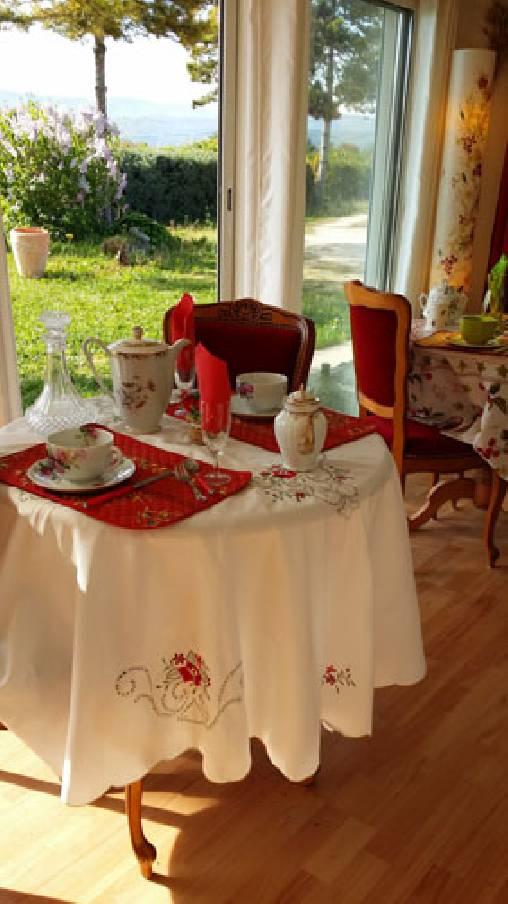 Chambre d'hote Vaucluse - salonpetits déjeuners